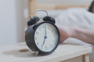 Analog Alarm Clock Displaying 07_00
